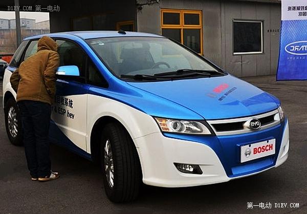 """十六款电动汽车""""程价比""""大PK:谁能跑最远?(图)"""
