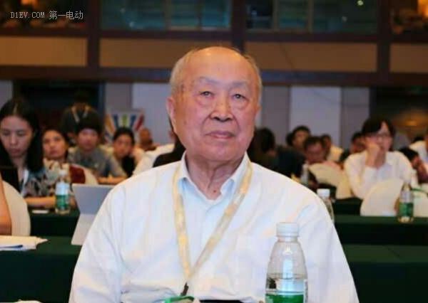 杨裕生:过度补贴妨碍新能源车市场化 给中国积分制支八招