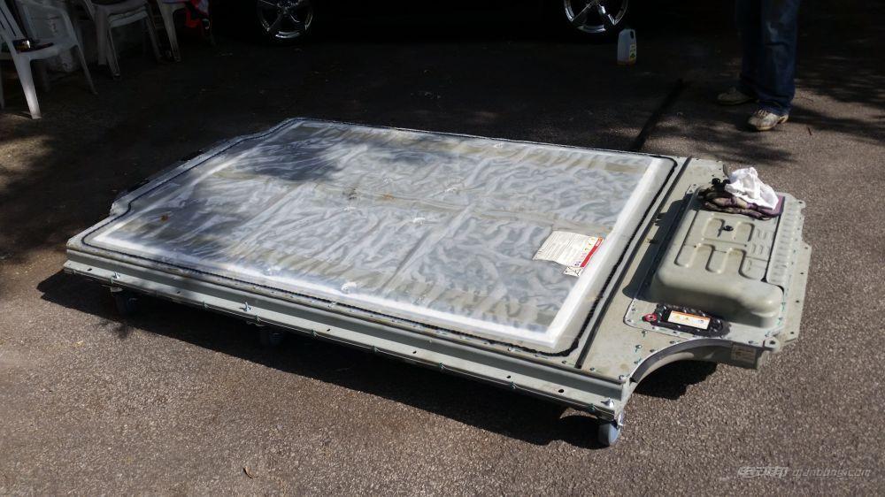 【聚焦】疯狂拆解特斯拉Model S 85锂电池组
