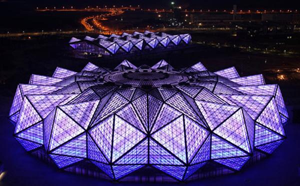 深圳大运科技明星汇:LED灯具、太阳能发电一个都不能少!