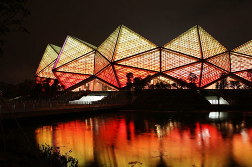 全球最大规模LED景观照明系统突破传统深圳大运中心亮灯