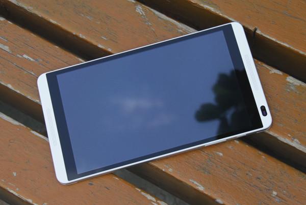 屏占比高达78%,高屏占比让华为压缩了边框的宽度,安卓平板因为不支持