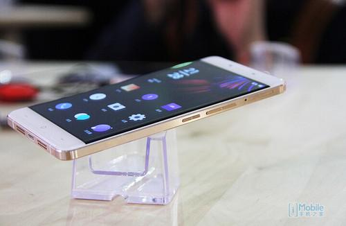 魅蓝metal对比一加OnePlus X评测 红米note2 pro继续打压?