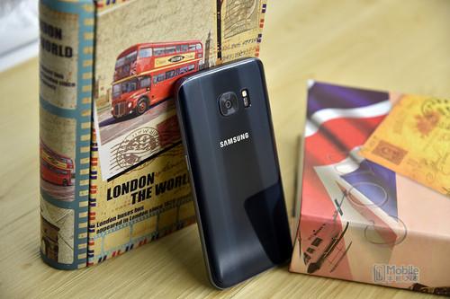 """小米5对比三星Galaxy S7评测 骁龙820同""""芯""""谁狠快更美?"""