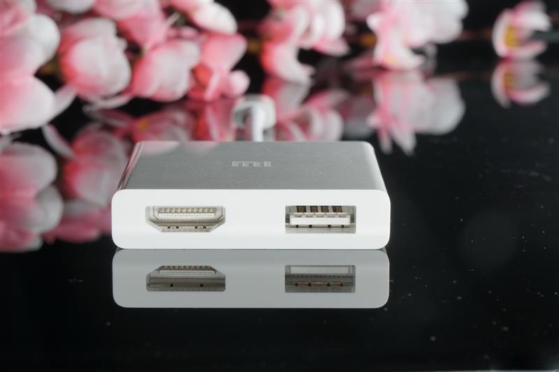 小米笔记本标配 USB-C至HDMI多功能转接器ZJQ01TM拆解