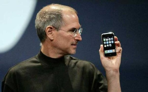 为省空间 iPhone以后或会取消SIM卡托盘