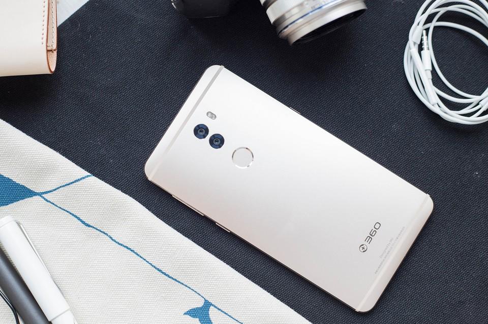 360手机q5 plus开箱上手:q系旗舰