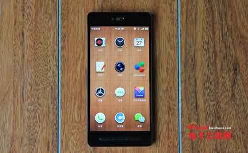 """魅族MX4对比锤子手机T1评测:1799秒杀""""情怀""""?"""