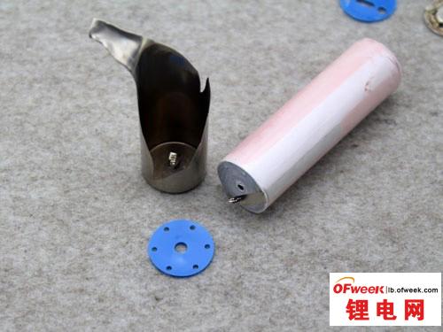 移动电源电芯拆解:锂聚合物好过18650?(图)