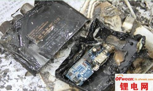 """起火事故频发 如何给锂电池""""降温""""?"""