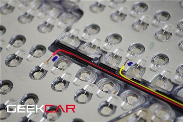 特斯拉电动汽车锂电池组全景图揭秘