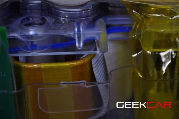 特斯拉终极拆解:电池电池热管理系统探秘(图)