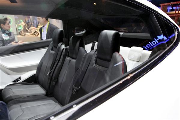 惊艳:特斯拉SUV Model X亮相CES2015!加速度惊人!