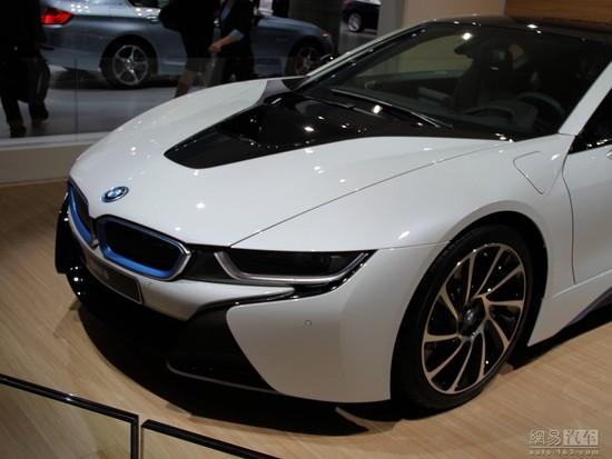 宝马i8炫酷超速全解读:高配现车油电混合动力!