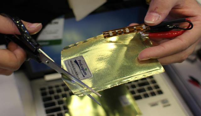 超纤薄可弯曲不漏液:台厂商推固态锂陶瓷电池