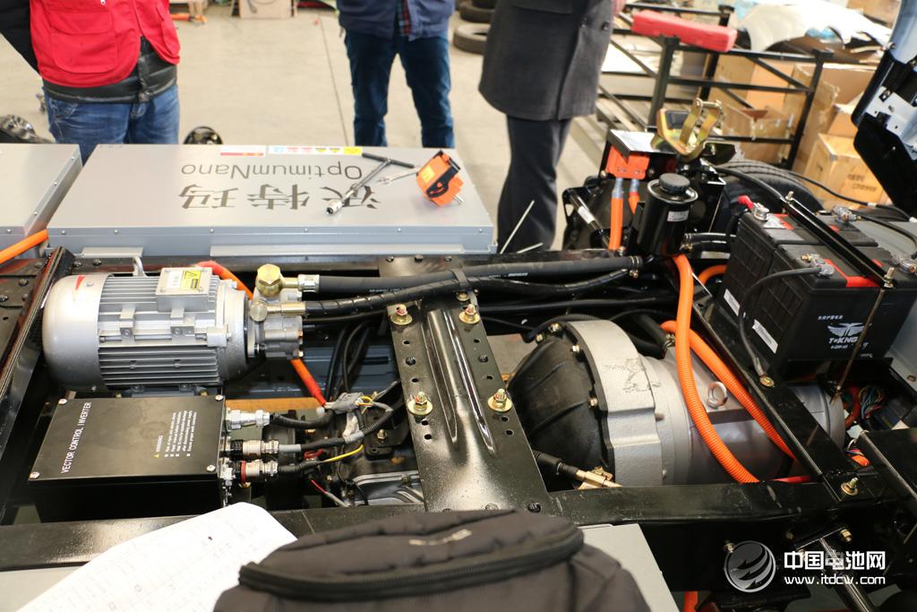 激辩低速电动车:锂电池替换铅酸电池?