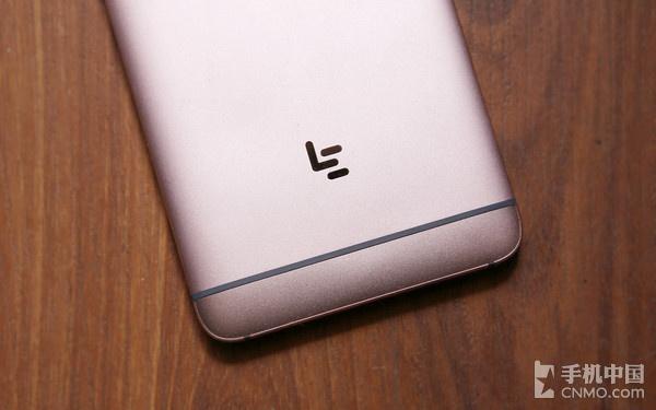 1099元乐视手机2评测:Helio X20和In-Cell触摸屏表现如何?