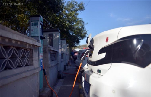 电动汽车,占山之旅,比亚迪,吉利,江淮