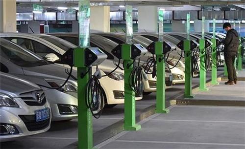 新能源汽车,电动汽车,充电设施,充电桩