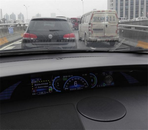 比亚迪e6,续航里程,充电桩,充电基础设施,电动汽车