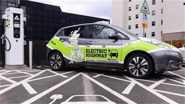 电动汽车,新能源汽车,戴姆勒,免购置税,充电基础设施