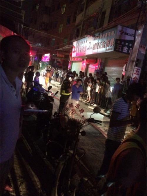 深圳宝安电动汽车充电发生火灾