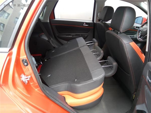 准车主又双叒路测北汽EX200,这台纯电动SUV果真能在大北京撒点儿野!