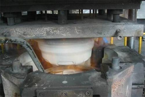 旋压铸造是什么技术?这种改装轮毂很厉害么?