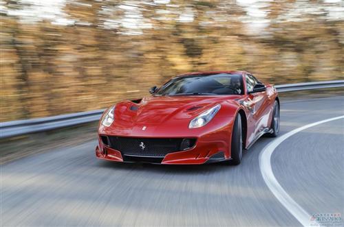全球十大加速最快车型在这儿 电动车与内燃机车比肩