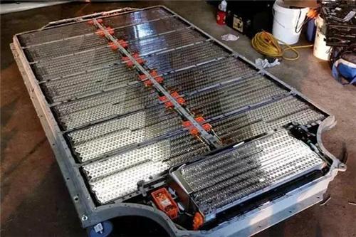 因此,底盘检查是纯电动汽车检查项目的重中之重,平日行车中遇到过托底