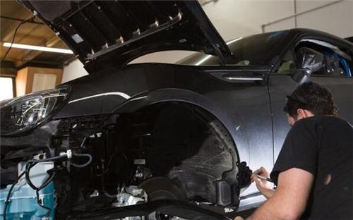 汽车改装的宽体是怎么制作出来?