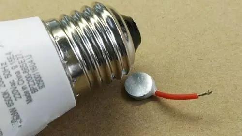 飞利浦 3W 200lm灯泡评测:大品牌有何独到之处?