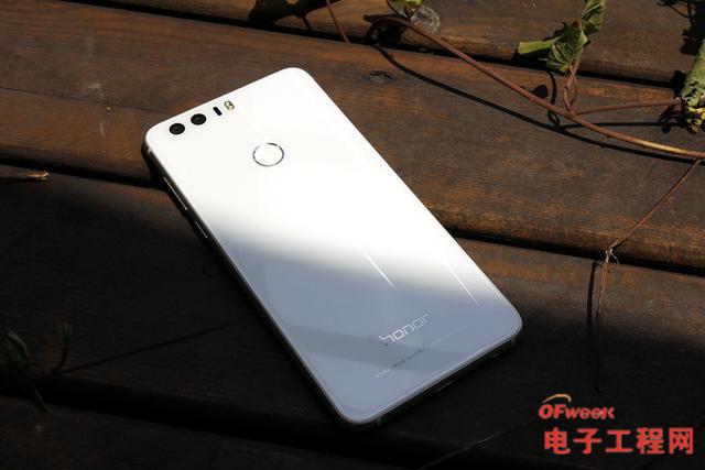 荣耀8成像:与iPhone6s评测苹果各有不同荣耀风格官翻手机价格图片