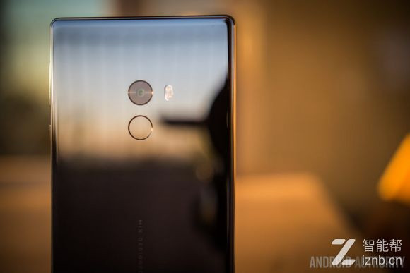 小米MIX评测:惊艳的全屏手机 这就是智能手机的未来?
