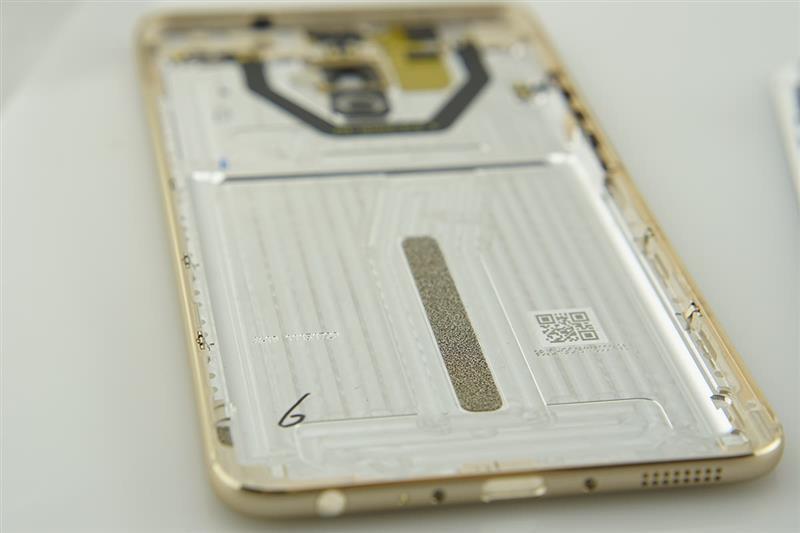 魅族Pro 6 Plus拆解:布局有序 做工旗舰