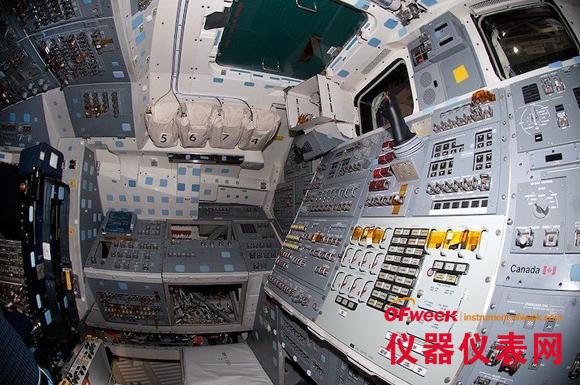 美国航天飞机驾驶舱仪器设备多图欣赏(图)